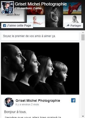 photo en noir et blanc d une famille en studio
