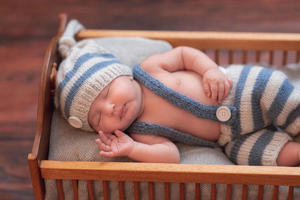 un bebe qui dort profondément